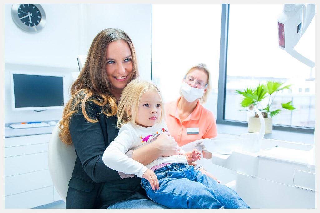 Zahnarztpraxis Askaryar - Zahnbehandlung bei Kindern